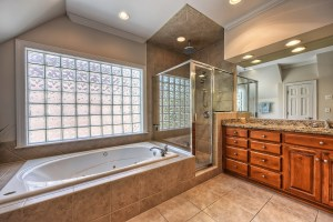 041_Master Bathroom