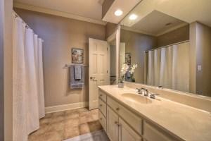 043_Basement - Bathroom